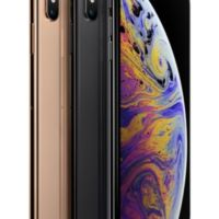 iPhoneXsMax-Family-3Up-Angled-US-EN-SCREEN-0