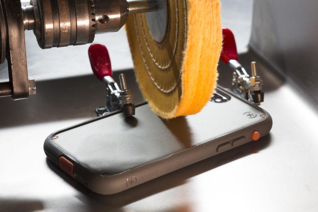 Speck калъфи за iPhone